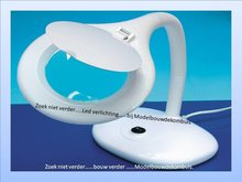 Flexi-Neck Magnifier Table Lamp